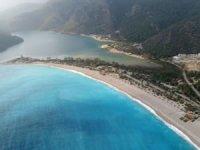 Fethiye'de sahil ve meydanlar boş kaldı