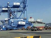 """Busan Limanı'ndaki Konteyner Gemisi """"Milano Bridge"""" rıhtıma çarptı"""