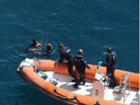 Falezlerden denize atlayan genç deniz polisi tarafından kurtarıldı