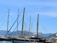 Muğla'da mavi tur ve günübirlik tur tekneleri sefere çıkmak için hazırlanıyor