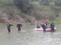 Balık tutma hevesi iki genci canından etti