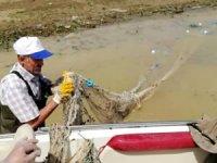 Elazığ'da bin metrelik kaçak balık ağı imha edildi