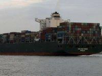 Dev kargo gemisi İstanbul Boğazından geçti