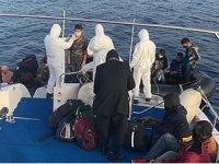 Çanakkale açıklarında 26 düzensiz göçmen kurtarıldı