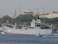 Rus savaş gemisi RFS Saratov İstanbul Boğazı'ndan geçti!