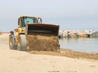 Gölcük ve Karamürsel'de plajlara kum seriliyor