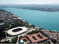 İstanbul Boğazı turkuaz renge büründü