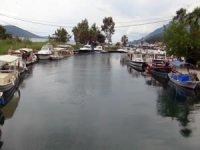 Sakin kentteki tur tekneleri sezonu bekliyor