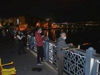 İstanbul'da normalleşme takvimiyle birlikte balık tutmaya koştular