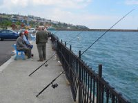Vatandaşlar oltayla balık tutmanın keyfini yaşadı