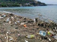 Erdek'te yağmurdan sonra sahilde kirlilik oluştu