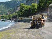Kdz. Ereğli Belediyesi plajlarda temizlik çalışması yaptı