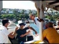 Bodrum'da fazla yolcu alan tekneye Sahil Güvenlik müdahale etti