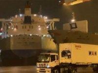 'CHINA STEEL GROWTH' isimli kargo gemisi, Kaohsiung Limanı Konteyner Terminali'nde sürüklendi