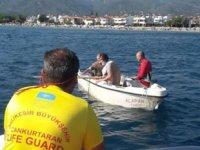 Balıkesir'de batma tehlikesi geçiren teknedeki 4 kişi kurtarıldı