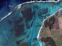 Mauritius'ta 4 bin ton petrol denize sızıyor