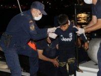 Sahil Güvenlik ekipleri, Foça'da 125 kaçak göçmeni kurtardı