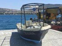 Foça'da 4 kişiye mezar olan tekne bulundu