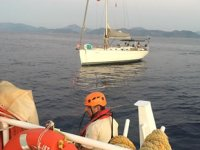 Fethiye'de makine arızası yapan tekne kurtarıldı