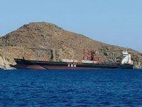 'Messila' isimli kargo gemisi Tilos Adası'nda karaya oturdu