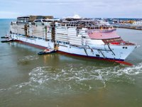 Royal Caribbean'ın en büyük yolcu gemisi Wonder of the Seas suya indirildi