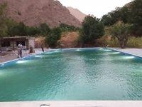 Hakkari'de yarı olimpik yüzme havuzu hizmete açıldı