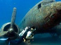 Turistler, Antalya'nın su altı zenginliklerini keşfediyor