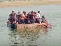 Hindistan'da tekne alabora oldu: 14 ölü, 10 kayıp