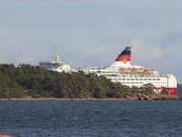 'Amorella' isimli yolcu gemisi, Baltık Denizi'nde karaya oturdu