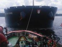 İstanbul Boğazı'nda makine arızası yapan 'E.R. BAYONNE' isimli gemi kurtarıldı