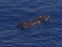 Rumlar, düzensiz göçmenlere kötü muamelede bulunuyor