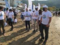 Karamürsel'de plaj ve deniz temizliği gerçekleştirildi