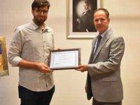 PRÜ Öğretim Görevlisi Ahmet Sefer, Leopold B. Felsen Elektromanyetikte Üstün Başarı Ödülü'ne layık görüldü