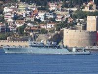 Romanya mayın gemisi, Çanakkale Boğazı'ndan geçti