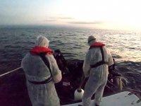 Ayvalık'ta 36 düzensiz göçmen kurtarıldı