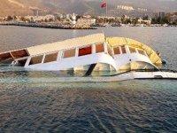 İskenderun Balıkçı Barınağı'nda tekne, metal çürümesi kaynaklı batmış