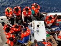 Carnival Sensation isimli yolcu gemisi, batan tekneden 24 kişiyi kurtardı