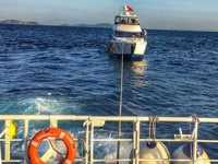 Ahırkapı'da sürüklenen tekneyi Kıyı Emniyeti ekipleri kurtardı