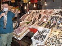 Vatandaşlar, balık tezgahlarındaki ışık hilesine karşı uyarıldı