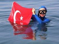 Dünya rekortmeni Şahika Ercümen, Kocaeli'de balık çeşitliliğine hayran kaldı