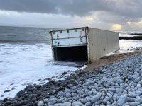 Bristol Kanalı'nda denize düşen konteynerler aranıyor