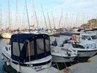 Tsunamide zarar gören tekneler Kuşadası'na getirildi