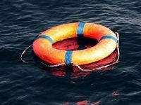 Ege'de göçmenleri taşıyan tekne battı: 1 ölü, 17 kişi kurtarıldı