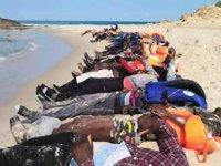 Libya'da 100 kişinin öldüğü tekne faciasında onlarca ceset karaya vurdu