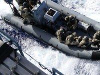 Alman askerleri, Libya'ya giden Rosaline A isimli Türk konteyner gemisine çıktı