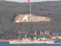 Yunan savaş gemisi, Türk bayrağı açmadan Çanakkale Boğazı'ndan geçti