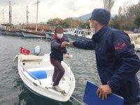 Sahil Güvenlik, Kuşadası Körfezi'ni havadan ve denizden denetliyor