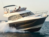 Prestige 420, 'En İyi Aile Teknesi' ödülüne layık görüldü