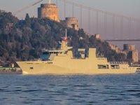 Pakistan savaş gemisi, İstanbul Boğazı'ndan geçti