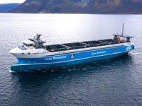Vard Tersanesi, dünyanın ilk elektrikli otonom konteyner besleme gemisini teslim etti